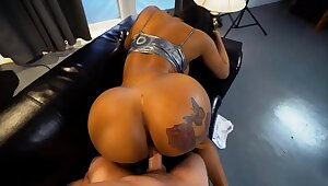 Hot black milf with a huge ass gets fucked REAL enduring
